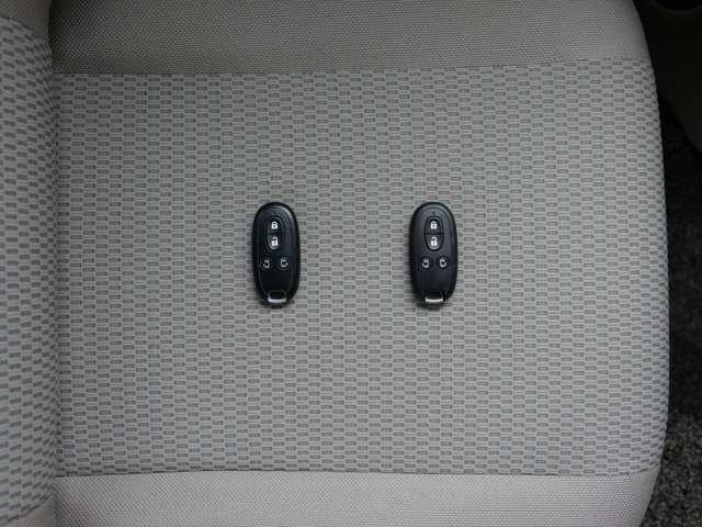 インテリジェントキー リモコンを身につけていれば、ドの施錠・開錠、エンジンスターともOK!