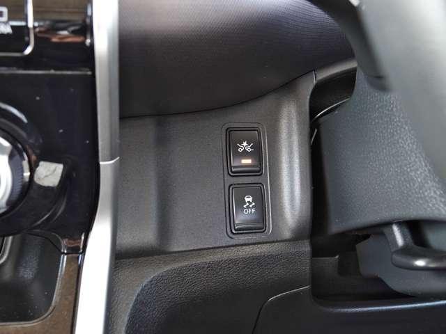 X Vセレクション ワンオーナー 純正メモリーナビ 後席モニター アラウンドビューモニター クルーズコントロール 両側オートスライドドア LEDライト 踏み間違い防止(11枚目)