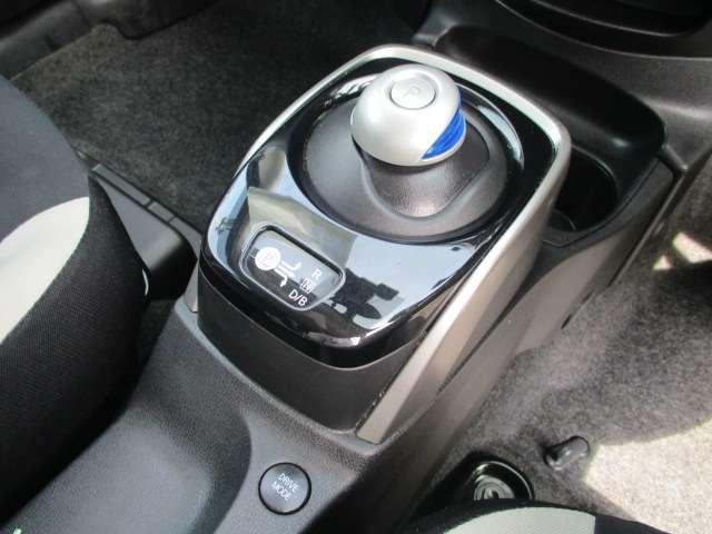 1.2 e-POWER X LEDヘッドライト エマージェンシーブレーキ 踏み間違い衝突防止アシスト 車線逸脱警報 LEDヘッドライト 純正後付メモリーナビ アラウンドビューモニター スマートルームミラー 純正ドライブレコーダー ETC(9枚目)