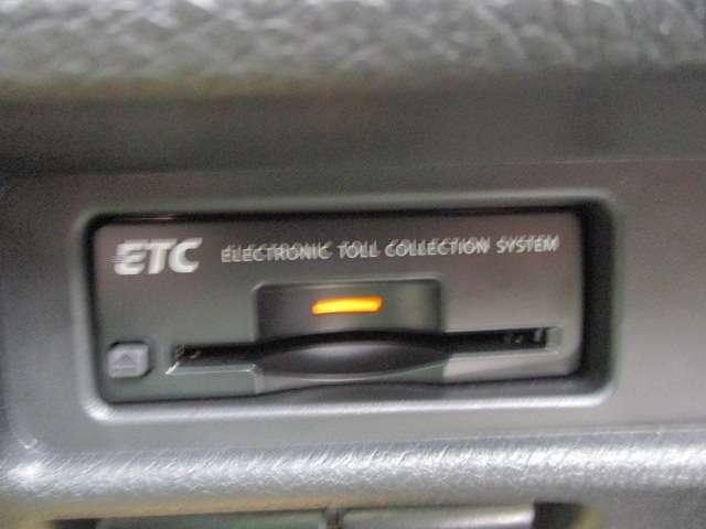 2.0 20Xi 2列車 4WD クロスシート 全周囲モニター LEDヘッドランプ 衝突被害軽減システム メモリナビ Bカメラ アルミホイール 4WD ETC スマートキー キーレス 盗難防止システム レーンアシスト ワンセグTV ABS Pサポ(16枚目)