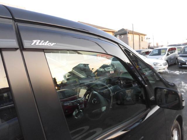 ライダーブラックライン 4WD ガラスルーフ 社外HDDナビ(12枚目)