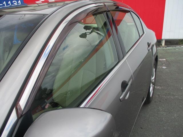 日産 スカイライン 250GT ハーフレザーシート