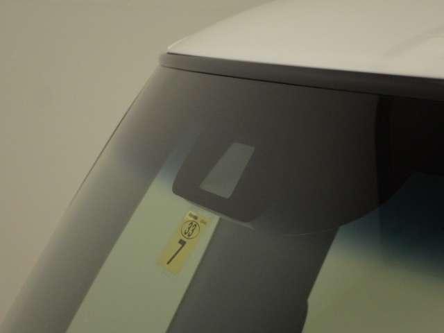 G・Lターボホンダセンシング 8インチナビ フルセグ  リアカメラ キーフリー ワンオーナ ESC 禁煙 LEDヘッド ターボ車 バックカメ メモリナビ 地デジ ナビTV クルコン ETC スマートキー アルミ DVD ABS(2枚目)