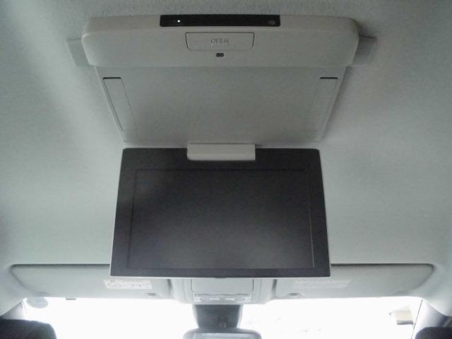 後席モニター付きです!☆ロングドライブでも飽きさせません☆音響ばっちり臨場たっぷりの車内は映画館みたいですよ♪お問い合わせはお早めに!0120-07-1190まで♪♪