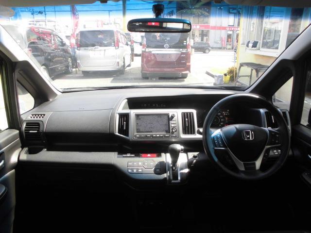 ☆内装美車☆ダッシュボードもシートも当然キレイ・清潔に仕上げております。内装のキレイなお車は気持ちがいいですし、コンディションのいい車が多いんです!見て頂ければ気にいってくれると思います♪