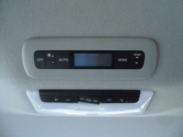 後席もオートエアコン装備☆オートエアコンは設定温度を合わせるだけで自動で快適な空間にしてくれます♪♪♪