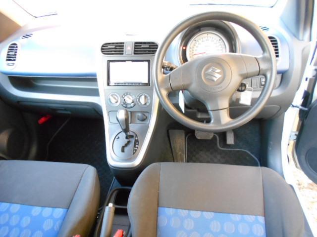 シートの状態、コンソールの状態、とても綺麗です!前ユーザーさんが大切に使用していた感が伺えます!ぜひオススメしたい程度良好な1台です!フリーダイヤル0120-74-1190