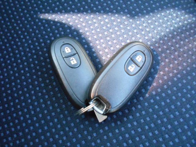 当店ディスカウント館は、格安車の無事故車専門店です。セダン・ミニバン・軽自動車などとても多彩な車種をご用意しております♪フリーダイヤル0120-74-1190