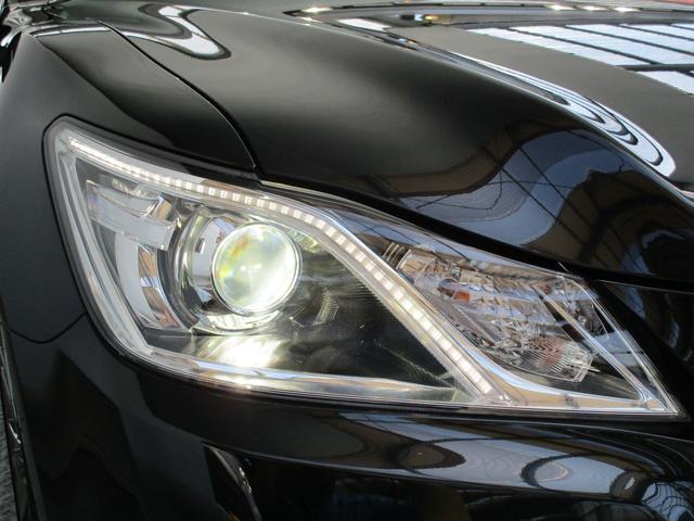 HIDヘッドライトで夜道を明るく照らします!