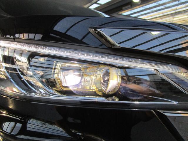 LEDヘッドライトで夜道を明るく照らします!