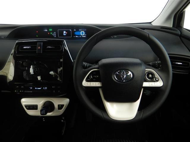【運転席】運転席周りの画像です。プロの手で隅々までクリーニングしています。ご来店いただき実際に見てみてくださいね☆
