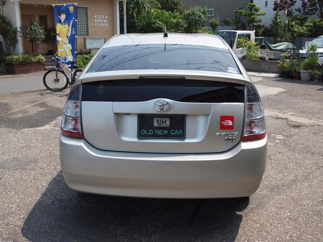 燃料タンク容量45リットル使用燃料無鉛レギュラーガソリン環境仕様10モード/10・15モード燃費35.5km/リットル