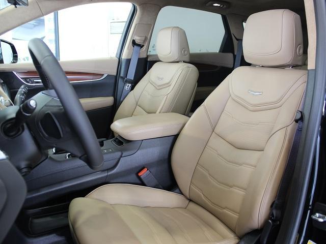 キャデラック キャデラックXT5クロスオーバー プラチナム 正規D車 新車未登録
