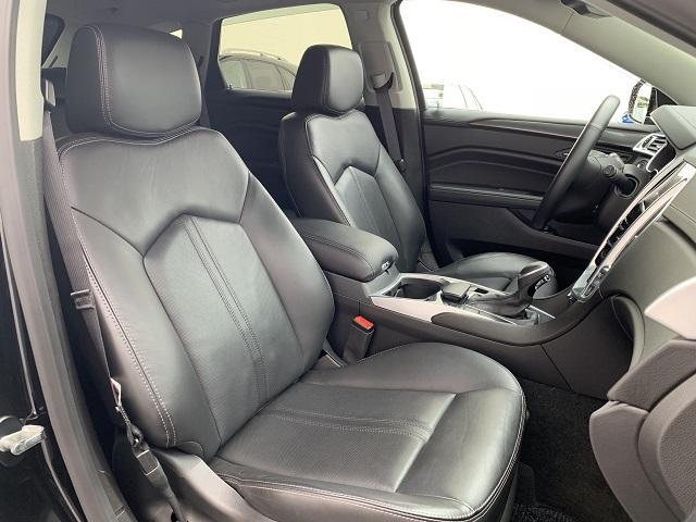 キャデラック キャデラック SRXクロスオーバー ラグジュアリー 正規D車 CUE統合ナビ