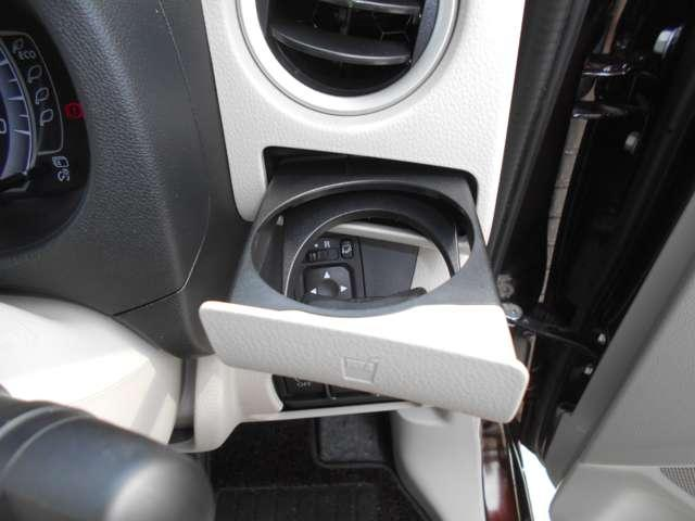 X キーフリ スマートキー バックカメラ WエアB ABS オートエアコン 盗難防止システム 記録簿 エアバッグ サイドモニター パワーウインドウ アイドリング パノラマモニター 衝突回避支援ブレーキ(9枚目)