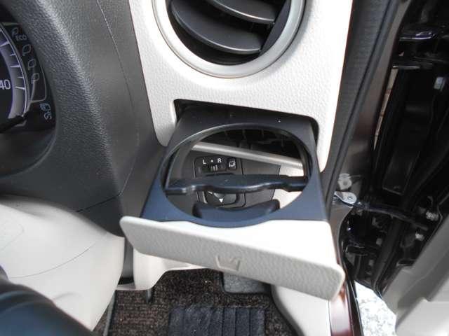 X ナビTV キーフリ スマートキー バックカメラ メモリーナビ WエアB ABS オートエアコン 盗難防止システム ワンセグ 記録簿 エアバッグ サイドモニター パワーウインドウ アイドリング CD再生(9枚目)