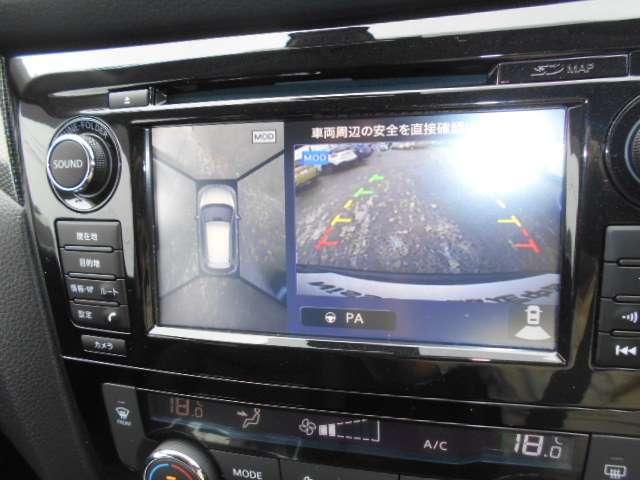 上からまる見えアラウンドビューモニターなので車庫入れもラクラクです♪インテリジェントパーキングアシストは嬉しい装備です。
