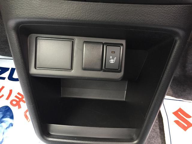 ●運転席にはシートヒーターがついています。肌寒い日には重宝します。