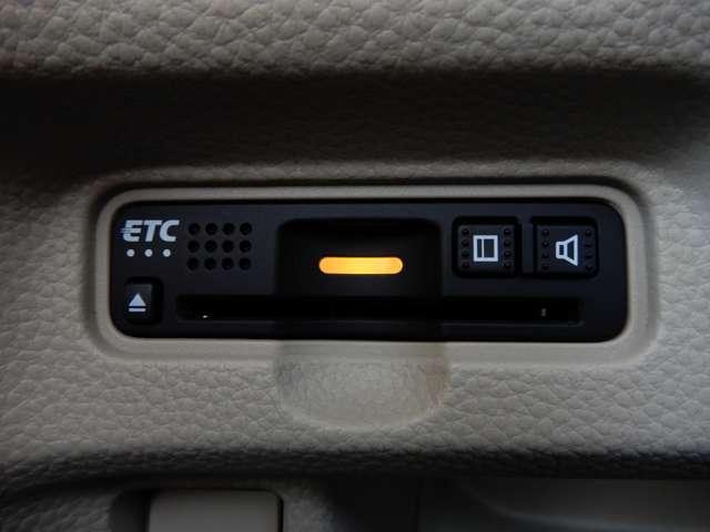 Gathersメモリーナビ ホンダセンシング バックカメラ ETC LEDヘッドライト スマートキー(10枚目)