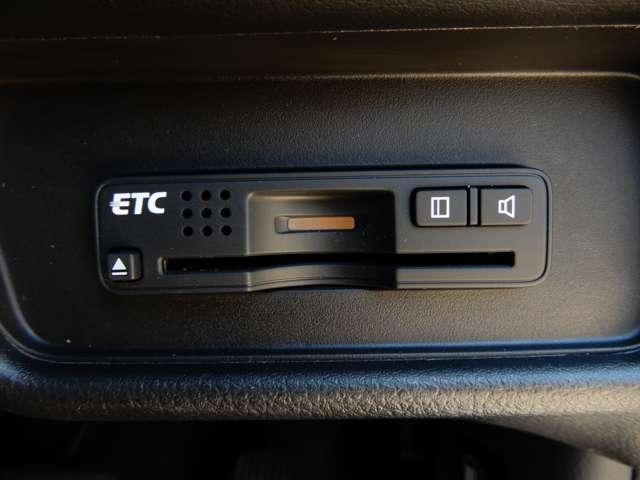 ハイブリッド アドバンスパッケージ 純正メモリーナビ マルチビューカメラ ホンダセンシング フロントドライブレコーダー 前後コーナーセンサー LEDヘッドライト フォグランプ ETC スマートキー(11枚目)