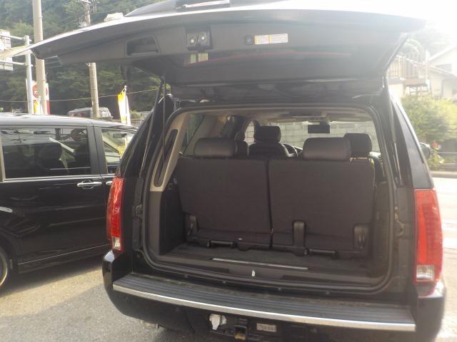 キャデラック キャデラック エスカレード サンルーフ本革3列エアシート26インチAWツインナビ地デジ