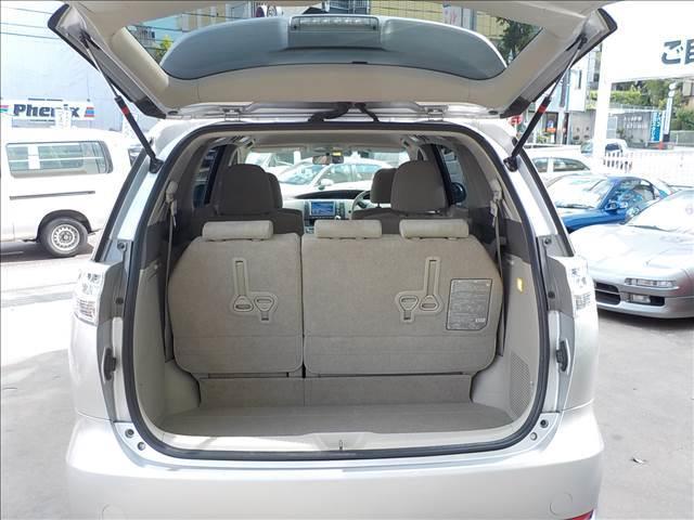 トヨタ エスティマハイブリッド G 7人乗り 4WD HDDナビ後席モニターWパワスラETC
