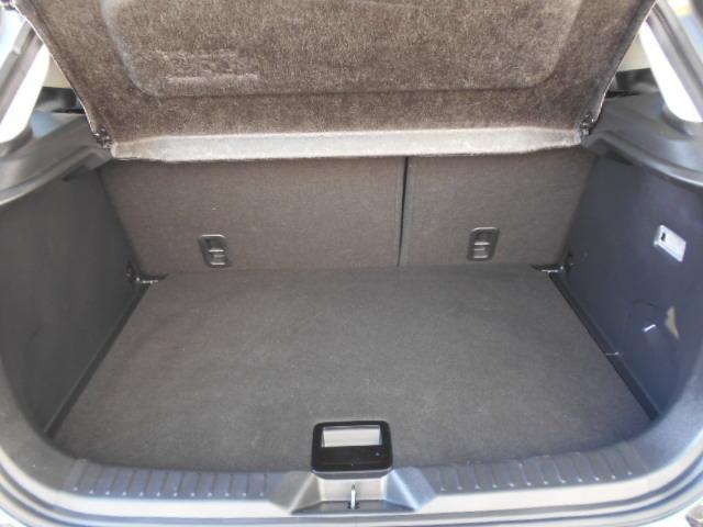 荷室は容量が確保されており、ちょっとした荷物でしたら軽々積載可能です!