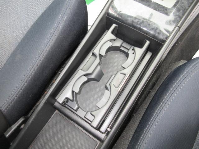 2.0i-S 4WD SDナビ フルセグ DVD CD 後席フリップダウンモニター プッシュスタート スマートキー HID ETC 純正17インチAW(15枚目)
