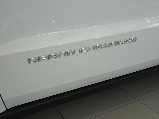 クライスラー・ジープ クライスラージープ グランドチェロキー リミテッド 弊社試乗車 メモリーナビフルセグ バックカメラ