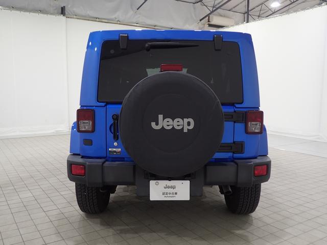 スペアタイヤにカバーつき!JEEPのロゴが目立ちます!!