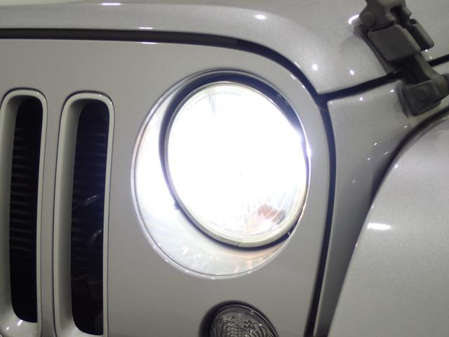 サハラ アンリミテッドサハラ レザーシート アルパイン製9インチナビ サイド/バックカメラ装備 シートヒーター付き ワンオーナー車輛 認定中古車(3枚目)