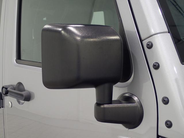 サハラ アンリミテッドサハラ レザーシート アルパイン製9インチナビ サイド/バックカメラ装備 シートヒーター付き ワンオーナー車輛 認定中古車(19枚目)