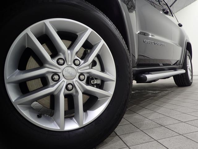 ラレード 認定中古車保証 サイドステップ クルーズコントロール キセノンヘッドライト(4枚目)
