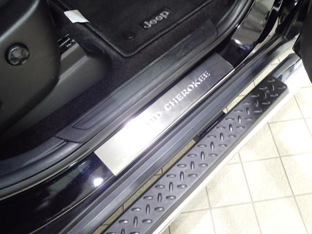 ラレード 認定中古車保証 サイドステップ クルーズコントロール キセノンヘッドライト(15枚目)