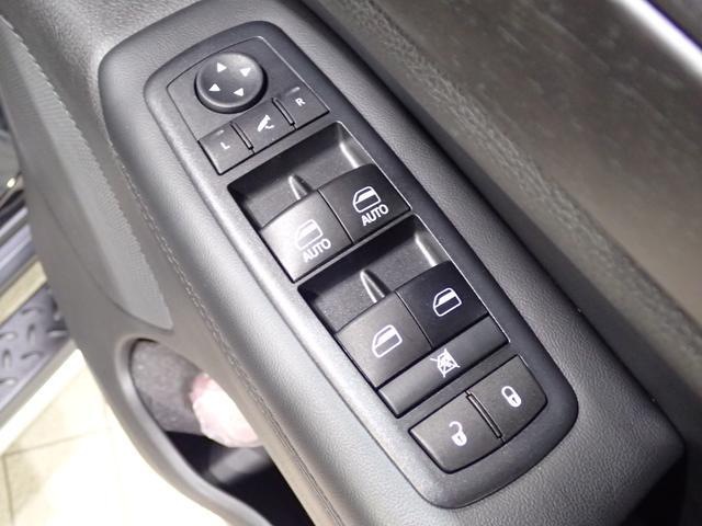 ラレード 認定中古車保証 サイドステップ クルーズコントロール キセノンヘッドライト(16枚目)