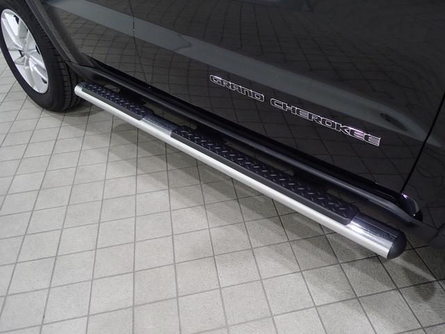 ラレード 認定中古車保証 サイドステップ クルーズコントロール キセノンヘッドライト(20枚目)