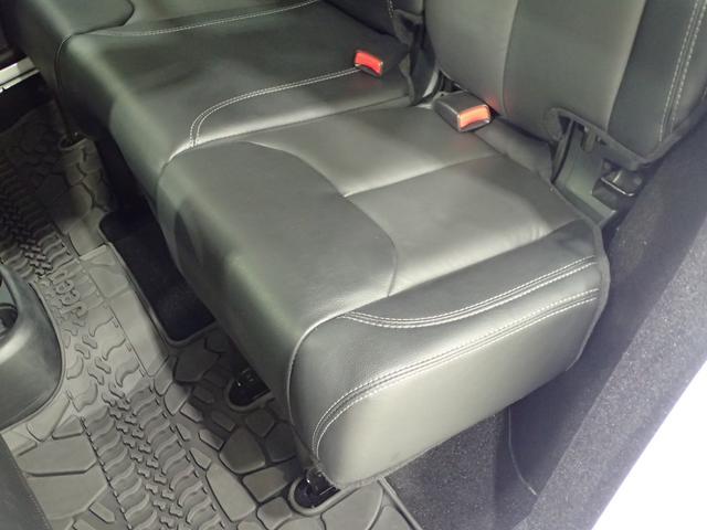 アルティテュード 認定中古車 正規ディーラー車 ブラックレザーシート ロックレール(9枚目)