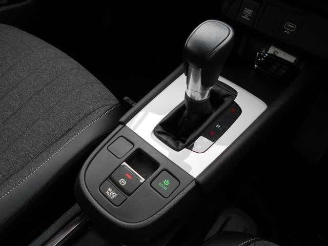 e:HEVホーム 試乗車UP 禁煙車 9インチメモリーナビ Bluetooth 音楽録音機能 フルセグ 前後ドライブレコーダー Rカメラ ETC LEDヘッドライト 純正アルミホイール(13枚目)