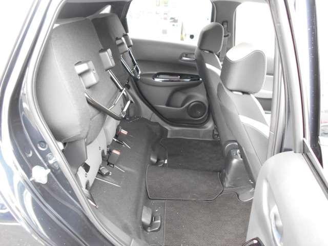e:HEVネス 試乗車UP ギャザズ9インチナビVXU-205FTi(Honda CONNECT対応) Bluetoothオーディオ 音楽録音機能 フルセグ リアカメラ ETC 禁煙車(16枚目)