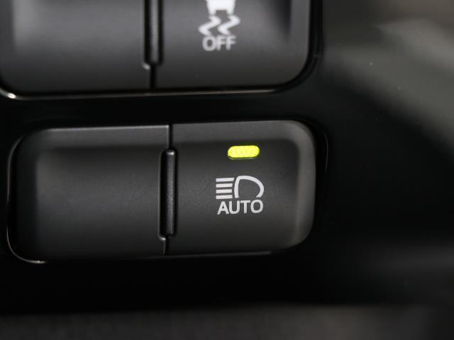 S フルセグ メモリーナビ バックカメラ ドラレコ 衝突被害軽減システム ETC LEDヘッドランプ ワンオーナー DVD再生 ミュージックプレイヤー接続可 記録簿 安全装備 オートクルーズコントロール(13枚目)