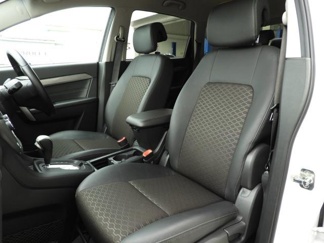 ベースグレード 電子制御AWD 3列シート7人乗り バックカメラ アップルカープレイ・アンドロイドオート対応 右ハンドル ETC ハーフレザーシート ルーフレール 純正19インチAW 運転席パワーシート(6枚目)