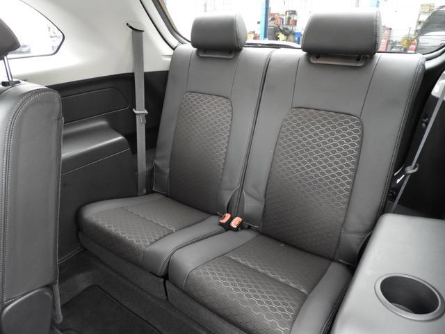 ベースグレード 電子制御AWD 3列シート7人乗り バックカメラ アップルカープレイ・アンドロイドオート対応 右ハンドル ETC ハーフレザーシート ルーフレール 純正19インチAW 運転席パワーシート(8枚目)