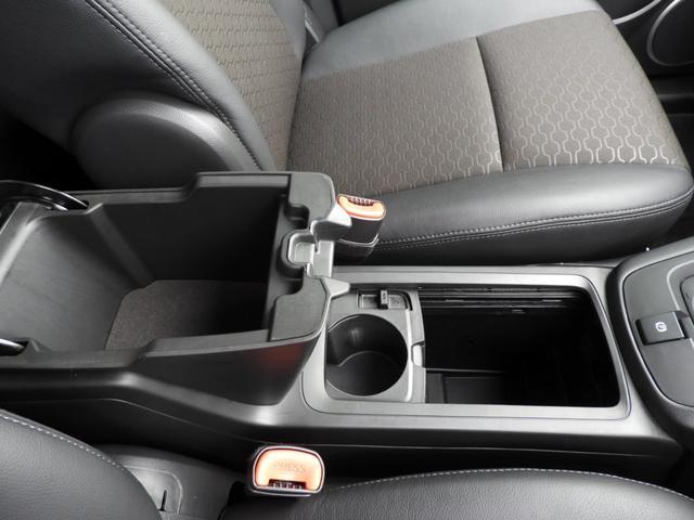 ベースグレード 電子制御AWD 3列シート7人乗り バックカメラ アップルカープレイ・アンドロイドオート対応 右ハンドル ETC ハーフレザーシート ルーフレール 純正19インチAW 運転席パワーシート(12枚目)