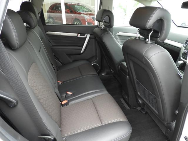 ベースグレード 電子制御AWD 3列シート7人乗り バックカメラ アップルカープレイ・アンドロイドオート対応 右ハンドル ETC ハーフレザーシート ルーフレール 純正19インチAW 運転席パワーシート(32枚目)