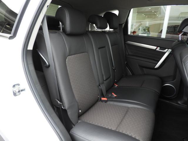 ベースグレード 電子制御AWD 3列シート7人乗り バックカメラ アップルカープレイ・アンドロイドオート対応 右ハンドル ETC ハーフレザーシート ルーフレール 純正19インチAW 運転席パワーシート(33枚目)