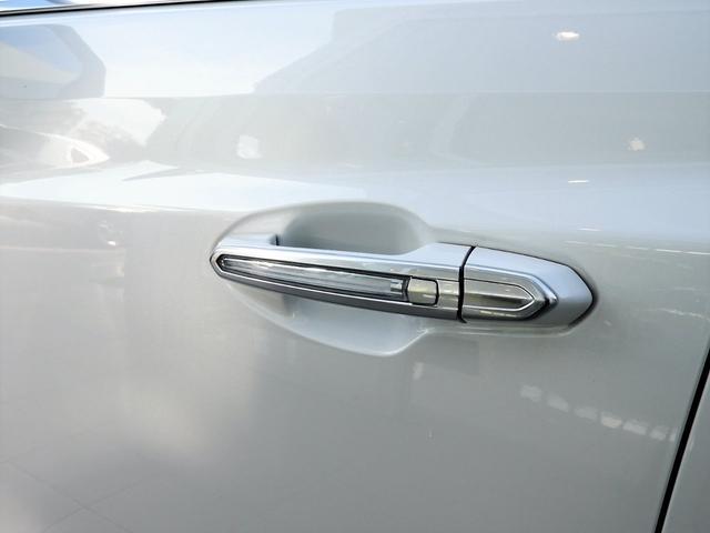 プレミアム 法人ワンオーナー スマートキー リモートエンジンスタート パワーテールゲート アップルカープレイ対応 シートヒーター レザーシート LEDヘッドライト 9速AT V6エンジン 切替式4WD(19枚目)