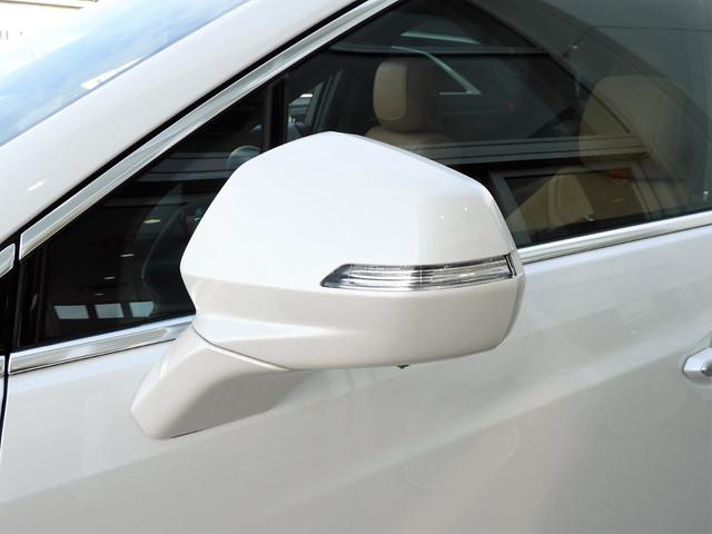 プレミアム 法人ワンオーナー スマートキー リモートエンジンスタート パワーテールゲート アップルカープレイ対応 シートヒーター レザーシート LEDヘッドライト 9速AT V6エンジン 切替式4WD(29枚目)