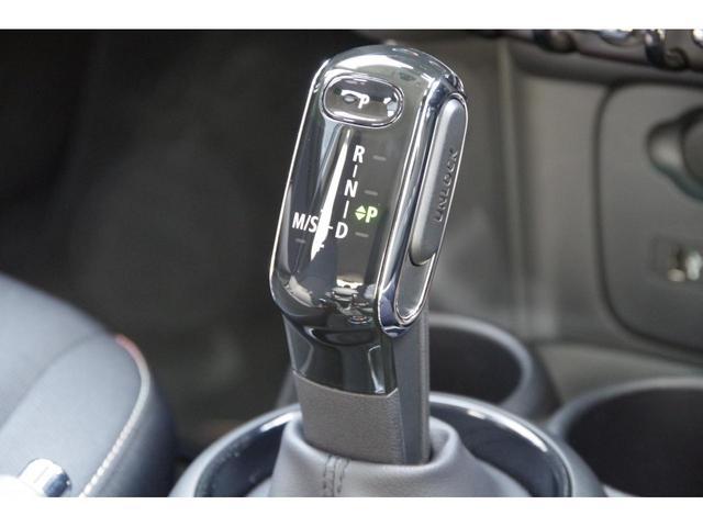 クーパー ナビゲーションパッケージ LEDライトパッケージ バックカメラ ワンオーナー デュアルオートエアコン 7速DCT PDC(14枚目)