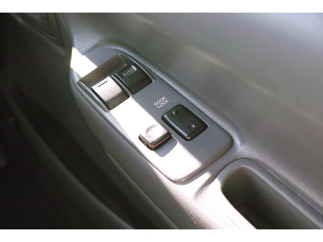 トヨタ ハイエースワゴン 4WDディーゼル デラックス ロング10人乗り Rヒーター付