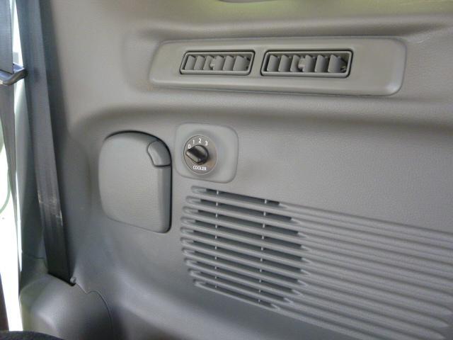 「日産」「NV200バネットバン」「ミニバン・ワンボックス」「千葉県」の中古車30